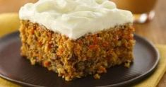 Carrot Cake (White Whole Wheat Flour). Love carrot cake, or is it the cream cheese frosting? This moist cake also has nuts, pineapple and coconut. If you don't like pineapple or coconut, you can leave it out. Cracker Barrel Carrots, Cracker Barrel Recipes, Homemade Carrot Cake, Easy Carrot Cake, Food Cakes, Cupcake Cakes, Cupcakes, Cat Recipes, Cooking Recipes