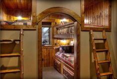 49 Warm and Beauty Bunk Beds with Wooden Wall Design Bunk Bed Rooms, Bunk Beds With Stairs, Kids Bunk Beds, Cabin Bunk Beds, Wooden Wall Design, Bunk Bed Designs, Log Cabin Homes, Loft Spaces, Home Interior