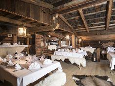 Chalet Bischoferalm Alpbach - festlich gedeckte Tische für Ihre Feier im 1. Stock für ca. 50 Personen
