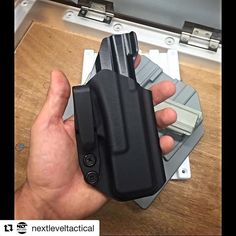 #Repost @nextleveltactical with @repostapp ・・・ Front side of finished product using the @diyholster moth drone, DIY holster G19 drone gun for the fold over, and the @henryholsters sight channel jig to keep it looking uniform. Digging the Raven Concealment