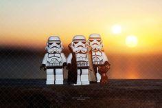 Star Wars Lego Photo Print - décor de chambre pour enfants...Nos vacances sur la planète Tattooine (différentes tailles)