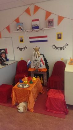 5 Mei, Kings Day, Princess Theme, Holland, Knight, Crafts For Kids, Teaching, Working Holidays, The Nederlands