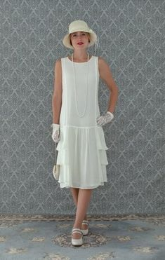 A darling dress in cream with tiered skirt Roaring fashion Great Gatsby dress flapper dress Downton Abbey dress 1920s Dress Up, 1920s Inspired Dresses, Great Gatsby Dresses, 1920s Dress Gatsby, Flapper Wedding Dresses, Art Deco Wedding Dress, Art Deco Dress, Gatsby Wedding, Wedding Vintage