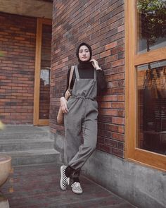 """16.2rb Suka, 64 Komentar - Amy (@helminursifah) di Instagram: """"Wearing overall by @freenstyle 🖤"""" Modest Fashion Hijab, Modern Hijab Fashion, Street Hijab Fashion, Casual Hijab Outfit, Hijab Fashion Inspiration, Ootd Hijab, Muslim Fashion, Fashion Outfits, Ootd Fashion"""