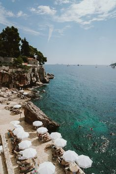 A Four Night Itinerary to Dubrovnik, Croatia If your headed to Croatia for the first time, it's likely you will start or end your trip in Dubrovnik. This four night itinerary to Dubrovnik, Croatia. Places To Travel, Places To See, Travel Destinations, Mykonos, Santorini, Croatia Travel Guide, Croatia Map, Travel Aesthetic, Beach Aesthetic