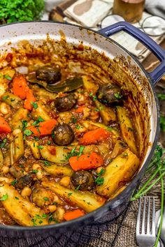 Nourishing veggies and aromatic spices come together in the most delicious way in this easy, comforting, and low-fat French Country Veggie Stew. Vegan Vegetarian, Vegetarian Recipes, Healthy Recipes, Vegan Soup, Free Recipes, Whole Food Recipes, Dinner Recipes, Cooking Recipes, Cleaning Recipes