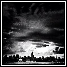 #NewYorkCity in Black and White - @dantvusa | Webstagram