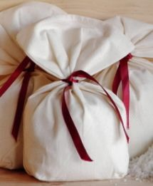 Beauty Recipe: Oatmeal and Lavender Bath Bag and Washcloth!
