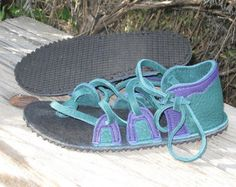 Sandalias de cuero hecho a mano estilo por HandtoHeartFootwear