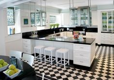 Cucina black and white