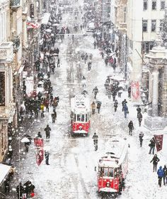 Istanbul covered in Snow Photo by Vacation Trips, Day Trips, Vacation Ideas, Turkey Pics, Fitness Club, Snowy Day, Turkey Travel, Winter Travel, Travel Abroad