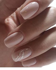 NagelDesign Elegant Some simple nails in contrast to this .- NagelDesign Elegant (some simple nails but so …) … - Classy Nails, Trendy Nails, Simple Gel Nails, Simple Bridal Nails, Simple Elegant Nails, Simple Art, Cute Simple Nails, Elegant Nail Art, Bridal Nail Art