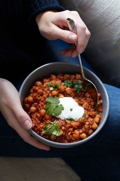 Do you fancy something oriental? Then this delicious chickpea and lentil stew fits perfectly. Do you fancy something oriental? Then this delicious chickpea and lentil stew fits perfectly. Clean Eating Recipes, Clean Eating Snacks, Healthy Snacks, Cooking Recipes, Healthy Recipes, Lentil Recipes, Chickpea Stew, Lentil Stew, Lentil Curry