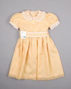 Vestido de ceremonia color Oro marca Infantil Zoilas (talla 4 años) 9,50 € http://www.quiquilo.es/catalogo-ropa-segunda-mano/vestido-de-ceremonia-color-oro-marca-infantil-zoila.html