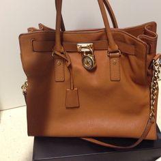 8ab1cb540e8 New Michael Kors Hamilton bag on Poshmark Michael Kors Hamilton, Large Bags,  Purse Wallet