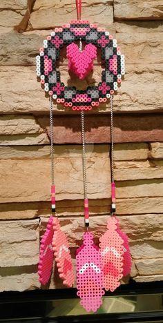 dream catcher perler beads - love the chains instead of beads or string/yarn Perler Bead Designs, Perler Bead Templates, Diy Perler Beads, Perler Bead Art, Pearler Beads, Fuse Beads, Pearler Bead Patterns, Perler Patterns, Iron Beads