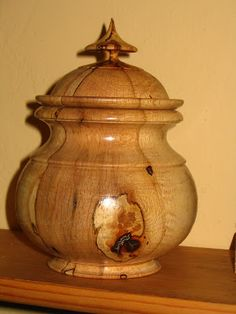 Woodworking Art Ideas, Woodworking Inspiration, Learn Woodworking, Lathe Projects, Wood Turning Projects, Wooden Projects, Wood Vase, Wood Bowls, Wood Burning Crafts