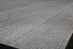 Den kostede overfliser på fliser giver et rustikt look. Vi har anvendt den kostede overflade på flere storformatsfliser. Hardwood Floors, Flooring, Wood Floor Tiles, Wood Flooring, Floor