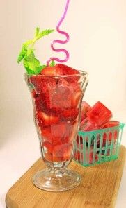 Infused Water Recipes, Fruit Infused Water, Infused Waters, Flavored Waters, Yummy Drinks, Healthy Drinks, Healthy Juices, Healthy Eats, Healthy Life