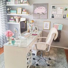 Ideas Office Decor for Cubicle Professional Must Popular 2019 - Office Room - Home Office Home Office Space, Home Office Design, Home Office Decor, Home Decor, Office Style, Work Desk Decor, Shabby Chic Office Decor, Feminine Office Decor, Small Office Decor