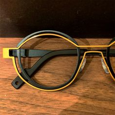 Funky Glasses, Mens Glasses, Glasses Frames, Fashion Eye Glasses, Cat Eye Glasses, Toscana, Reading Glasses, Fashion Fashion, Runway Fashion
