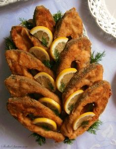 Fish Recipes, Vegan Recipes, Vegan Junk Food, Vegan Sushi, Vegan Baby, Christmas Party Food, Vegan Smoothies, Vegan Sweets, Magic Recipe