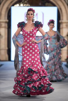 Mónica Mendez - We Love Flamenco 2018 - Sevilla African Fashion Dresses, African Dress, Western Outfits, Indian Outfits, Anniversary Dress, Spanish Dress, Fashion Show, Fashion Looks, Spanish Fashion