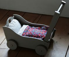 FIFI ET GONGON--toy wooden doll carriage
