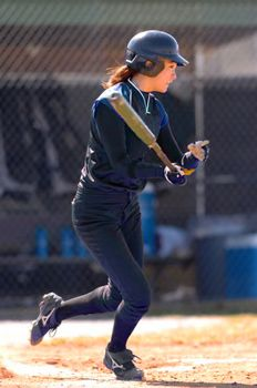 How to Slap in Softball: Footwork for the Two-Step Approach | iSport.com