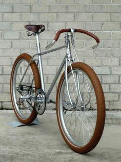 "Vanguard ""BISCOTTI"" * N.O.S. 1970's Bridgestone racing frame * girder fork * coaster hub brake * leather straps"