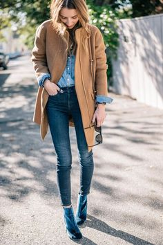 Jess Ann Kirby styles the J.Crew Stadium Cloth Coat with AYR Skinny Jeans and Velvet Booties for fall Fall Winter Outfits, Autumn Winter Fashion, Winter Style, Denim Fashion, Fashion Outfits, Women's Fashion, Camel Coat Outfit, Layering Outfits, Outfits