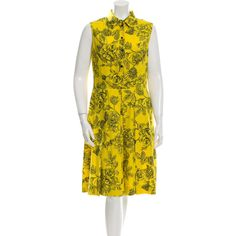 Pre-owned Lela Rose Floral Print Sleeveless Dress ($180) ❤ liked on Polyvore featuring dresses, yellow, floral pleated dress, floral fit-and-flare dresses, sleeveless pleated dress, yellow floral dress and flower print dress
