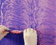 Creative painting techniques for those painting lovers! Painting Textured Walls, Texture Painting, Paint Texture, Sponge Painting Walls, Pallet Painting, Painting Frames, Feather Painting, Wall Texture Patterns, Pintura Exterior