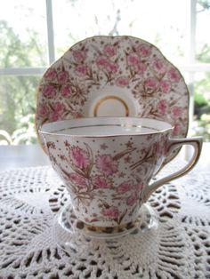 Plato y taza de té antigua Rosina Bone China por aprilleialoha