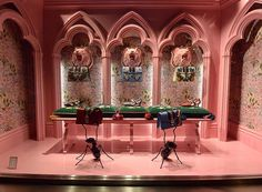 "GUCCI, Rue de Faubourg, Paris, France, ""Ladies... May we present to you..."", photo by LArchitetto Paga, pinned by Ton van der Veer"