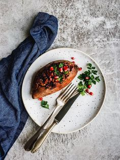 Looking for a vegan and/or gluten free holiday main dish? These vegan stuffed sweet potatoes with lentils and walnuts are easy to make and taste amazing.