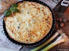 Újhagymás quiche | Tétova ínyenc Lorraine, Quiche, Pizza, Cheese, Desserts, Food, Tailgate Desserts, Deserts, Essen