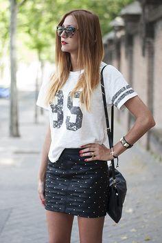 85 ( Sunglasses & Graphic T-Shirts )