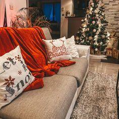 Carré Blanc (@carreblancparis) • Photos et vidéos Instagram Decoration, Couch, Photos, Furniture, Instagram, Home Decor, Comforter Set, Home, Fall Season