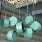 Windchimes: Spray painted tuna cans! Garden Crafts, Garden Projects, Craft Projects, Tin Can Crafts, Diy And Crafts, Carillons Diy, Tin Can Art, Diy Wind Chimes, Recycled Crafts