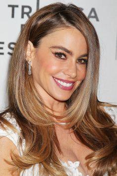 Sofía Vergara ha acudido al Tribeca Film Festival luciendo una espléndida melena lisa capeada #cabello #melena #look