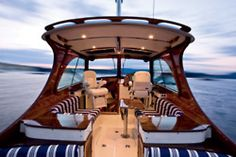 I love the seating on the this boat I also love the color contrast... Cris Craft?