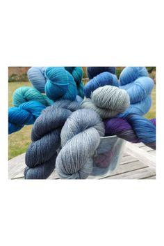 Debonnaire yarns Hand dyed yarn