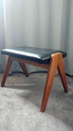Bekijk dit items in mijn Etsy shop https://www.etsy.com/nl/listing/546114993/vintage-danish-midcentury-teak-foot-rest