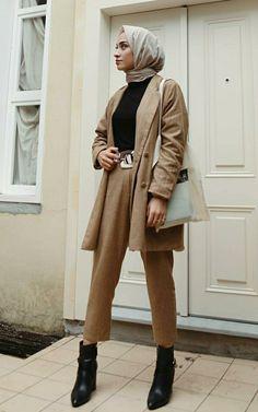 @senaseveer Modest Fashion Hijab, Modern Hijab Fashion, Street Hijab Fashion, Casual Hijab Outfit, Hijab Fashion Inspiration, Hijab Chic, Muslim Fashion, Mode Inspiration, Modest Outfits Muslim
