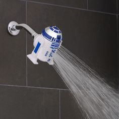 Wash away the dark side with Star Wars shower heads! Get rid of dirt (and Rebel soap scum) by getting clean with Darth Vader and novelty shower accessories. Star Wars Decor, Star Wars Love, Star Wars Stuff, Star Wars Film, Star Wars Art, Star Wars Zimmer, Shower Heads Best, Star Wars Bathroom, Mega Pokemon