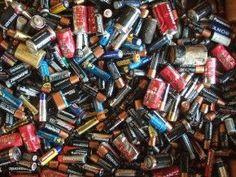 Pilas y baterías sin mercurio ni cadmio http://www.consumer.es/web/es/medio_ambiente/urbano/2013/10/23/218382.php