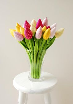 Bunte genähte Tulpen als Wohnaccessoire / colourful sewed tulips, living accessoires by Jobuko via DaWanda.com