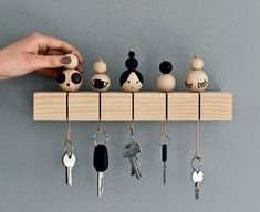 Wooden beads made in simple vut stylish key holder. Love this idea . Wooden beads made in simple vut stylish key holder. Love this idea! , Wooden Beads made into Simple vut Stylish key holders. Absolutely love this idea. Crafts To Make And Sell, How To Make Beads, Diy And Crafts, Wooden Crafts, Modern Entryway, Entryway Ideas, Entryway Storage, Bois Diy, Ideias Diy