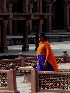 Hot colors in Fatehpur Sikri